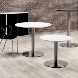 Cafe en kantine tafels