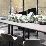 Palmberg zit-sta vergadertafel