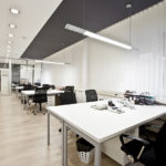 Verticale Lamellen Raambekleding kantoormeubilair Wize Office